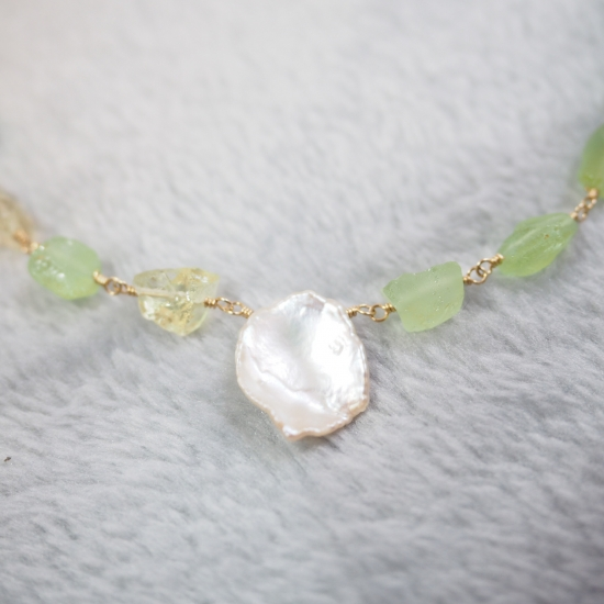 Peridot-Lemon-Quartz-Rough-Rock-Necklace_o1